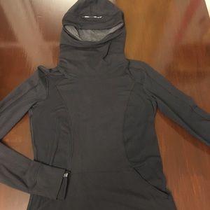 BLACK Lululemon running long sleeved hoodie sz 6